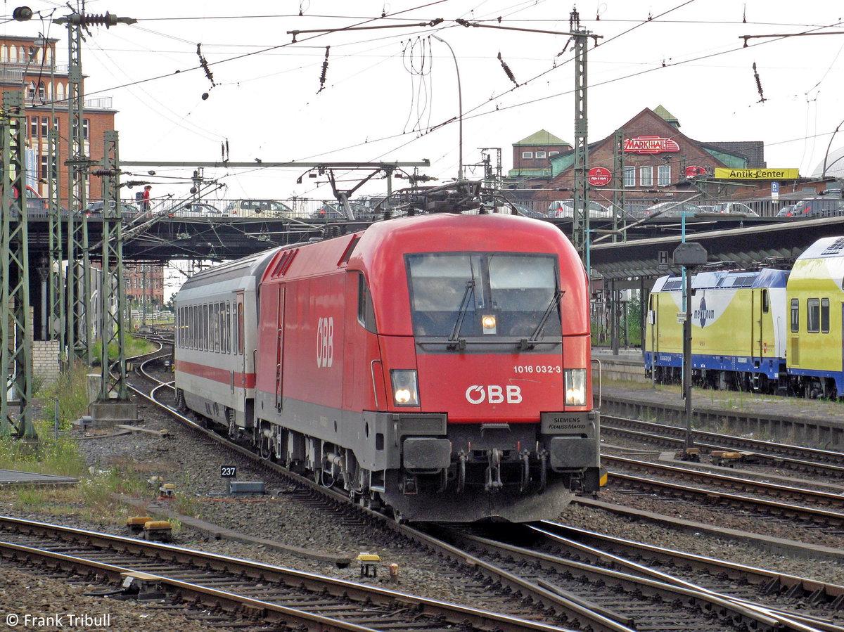 1016 032-3 aufgenommen am 09.07.2010 im Hamburger Hbf