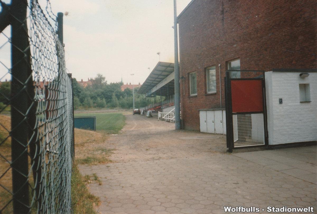 Adolf-Jäger-Kampfbahn aufgenommen im August 1994