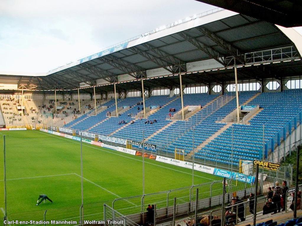 Carl-Benz-Stadion Mannheim aufgenommen am 27. September 2002