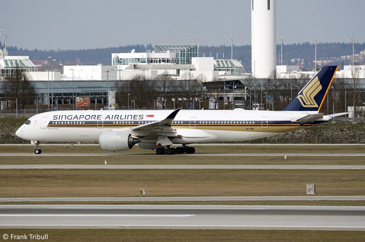 Ein Airbus A350-941 von Singapore Airlines mit der Kennung 9V-SME aufgenommen am 28.03.2019 am Flughafen München.