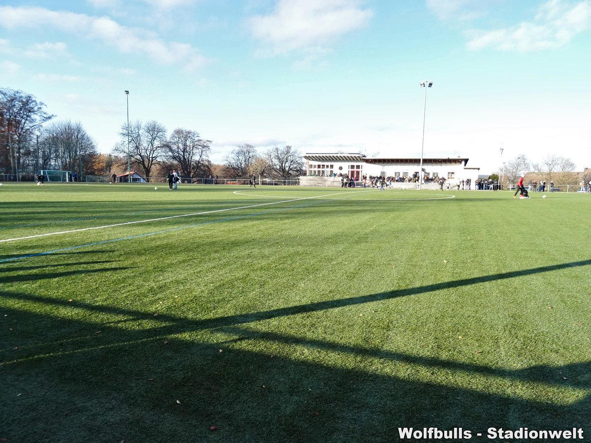 Kunstrasenplatz im Sportpark Haslach Löffingen aufgenommen am 30. November 2019