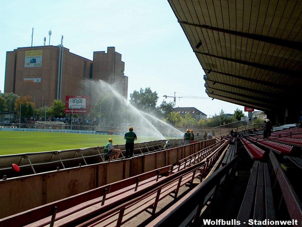 Millerntorstadion aufgenommen am 09. August 2003