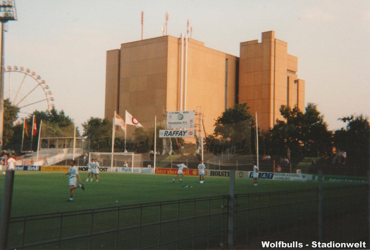 Millerntorstadion aufgenommen am 20. August 1994